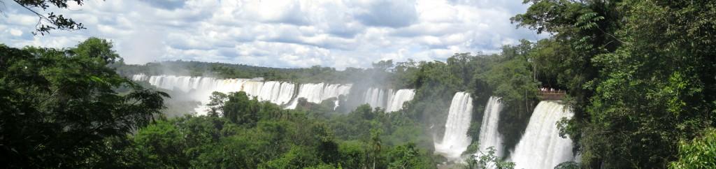 Iguazú Wasserfälle Panoramaansicht